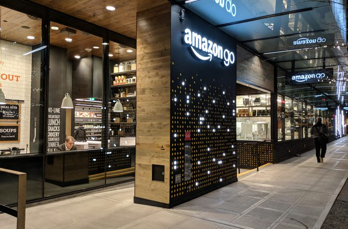 "Amazon Opens First ""Go"" Workerless Retail Store in Seattle"